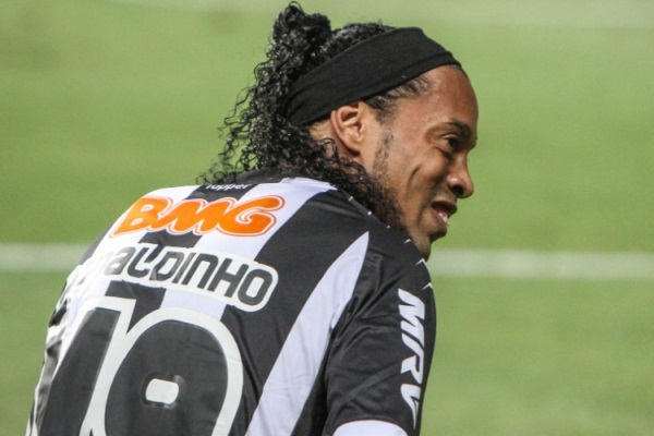 Ronaldinho foi a ausência mais sentida na lista