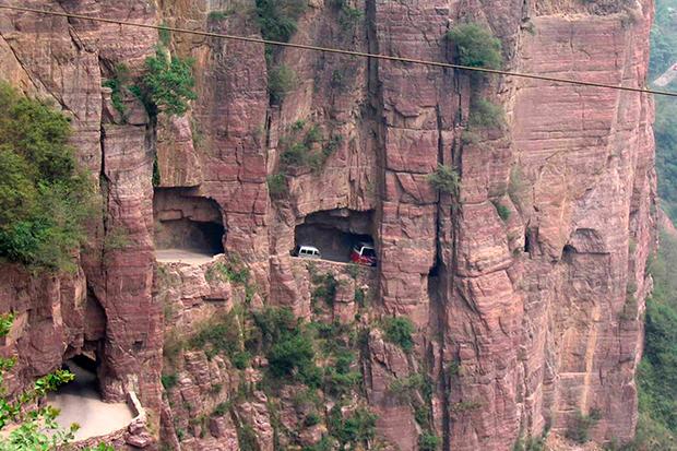 1-estrada-tunel-montanha