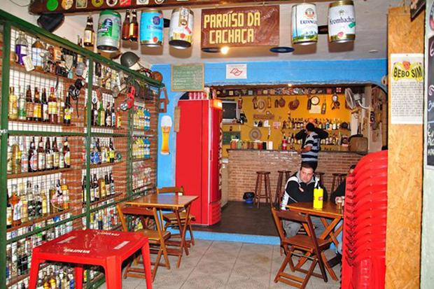 4 bares paulistas para quem gosta de cachaça