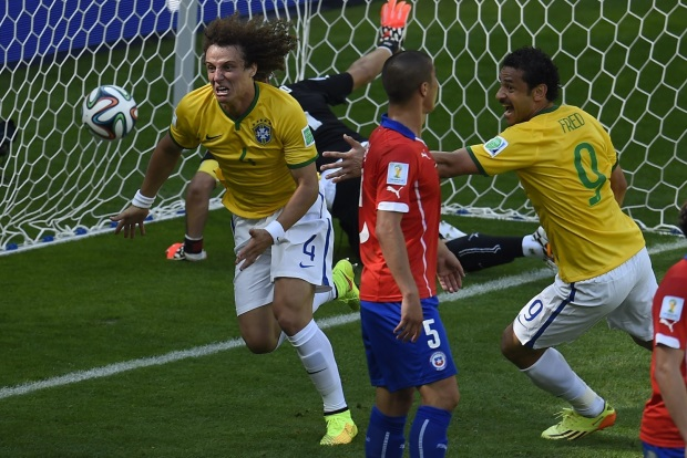 David Luiz ataque