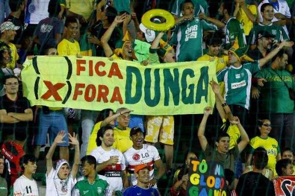 Dunga é detestado pela torcida brasileira