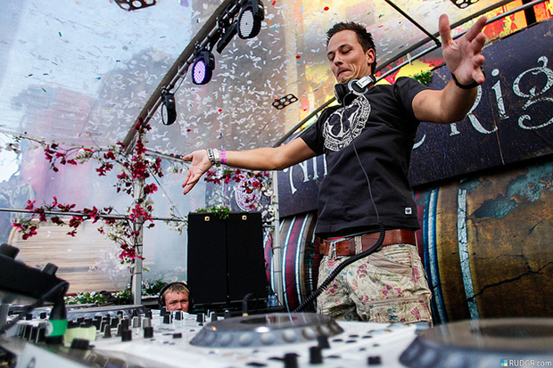 Conversamos com Yves V, embaixador do Tomorrowland