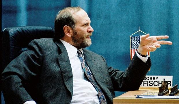 Le-corps-de-Bobby-Fischer-exhume