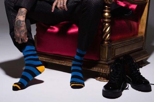 West Coast apresenta nova linha de meias coloridas