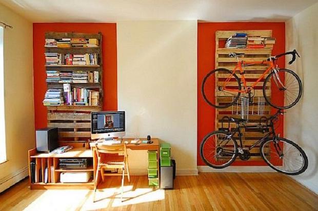 Pallet-Bookshelf-and-Bike-Rack-Furniture-Ideas