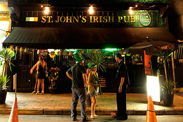 st-johnspirish-pub-el-hombre