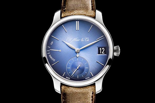 Moser-Funky-Blue-Perpetual-Calendar-el-hombre