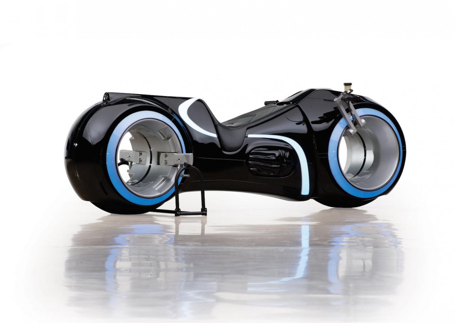 Tron-Lightcycle-1-1480x1051