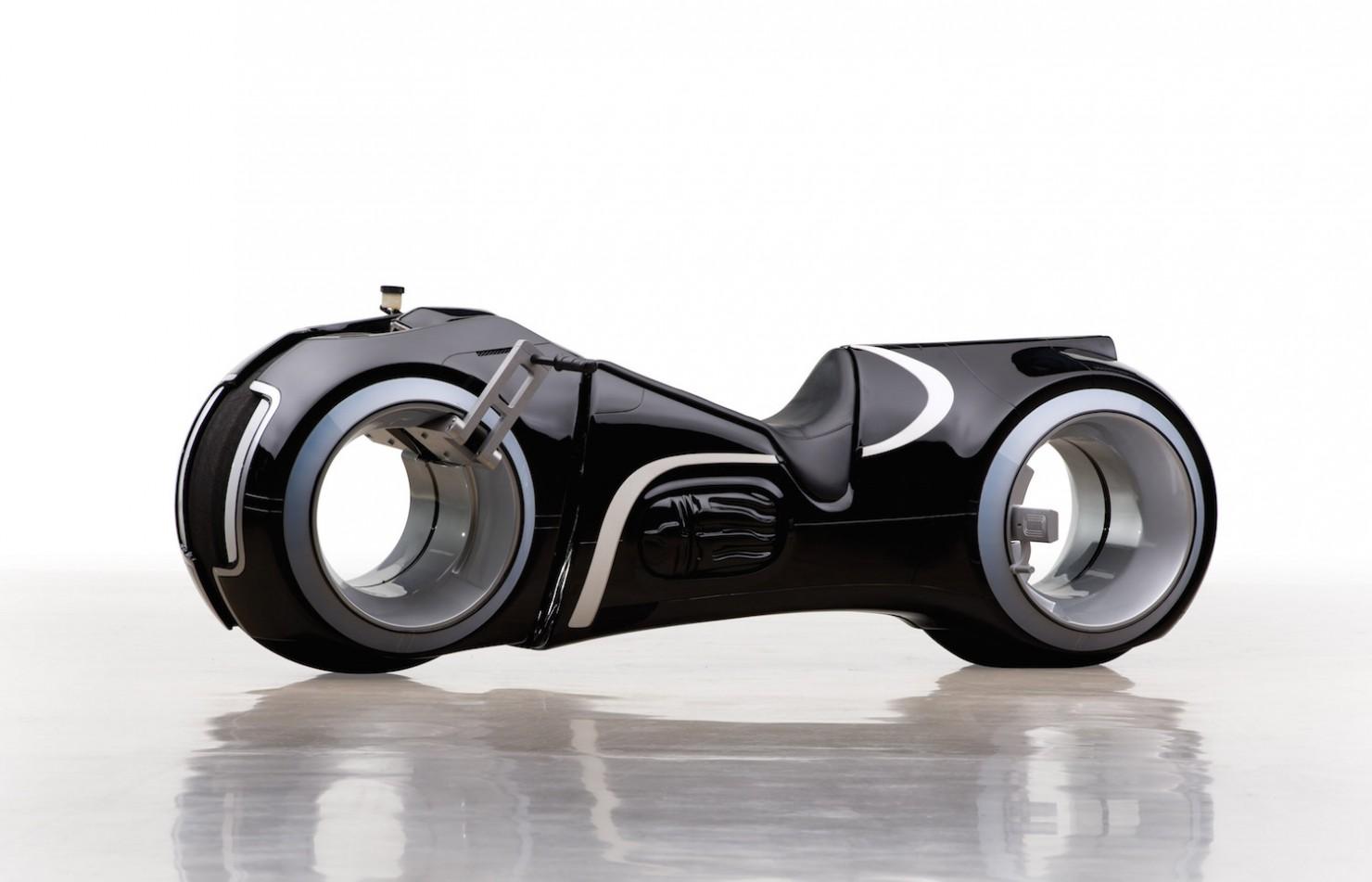 Tron-Lightcycle-2-1480x951