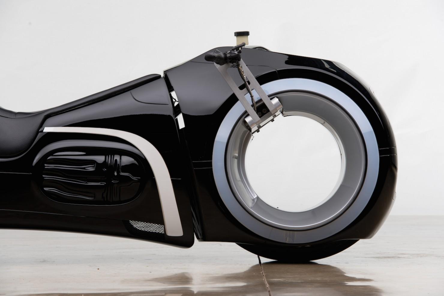 Tron-Lightcycle-4-1480x988