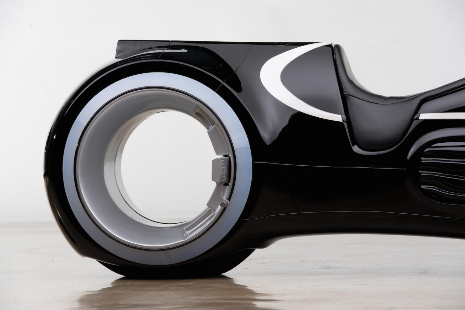 Tron-Lightcycle-5-1480x988