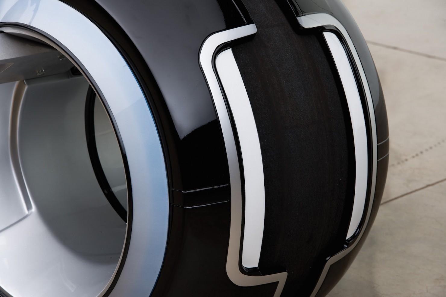 Tron-Lightcycle-6-1480x988