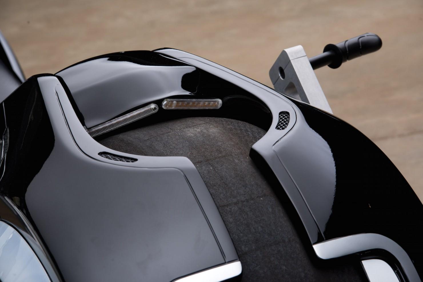 Tron-Lightcycle-8-1480x988