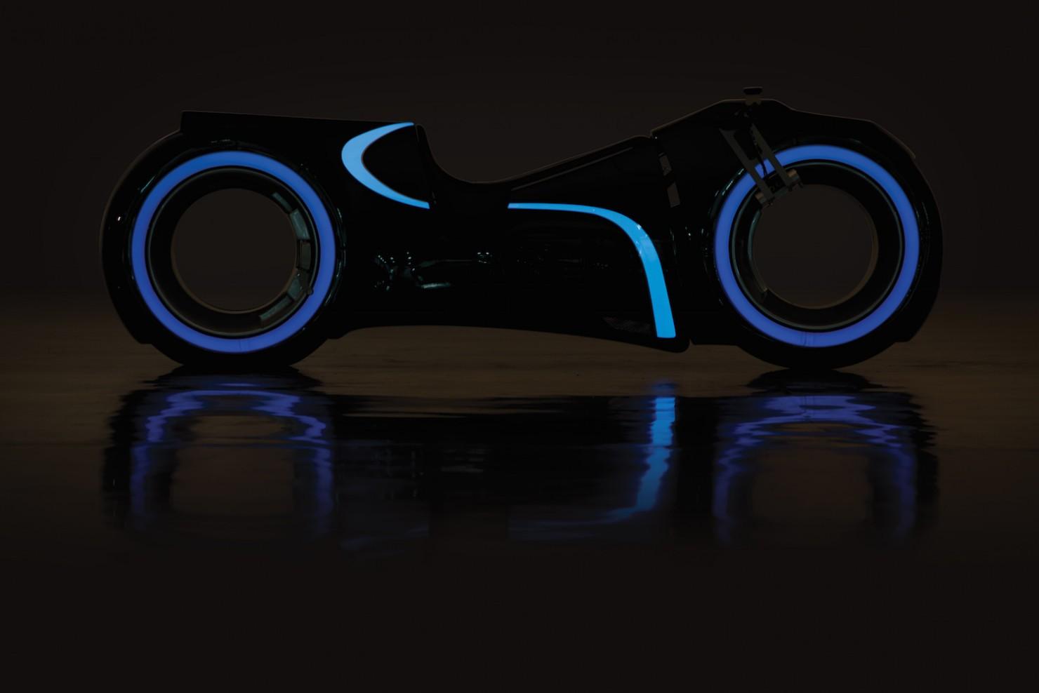 Tron-Lightcycle-9-1480x988
