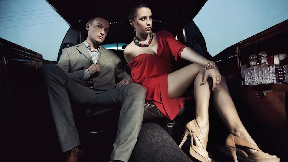 couple_man_woman_beauty_limousine_80554_2048x1152