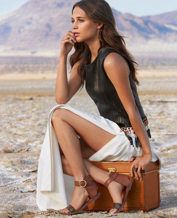 Alicia-Vikander-Hot