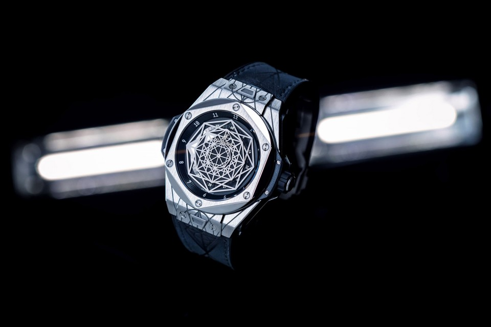 hublot-sang-bleu-big-bang-watch-01-960x640