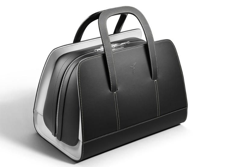 Rolls-Royce-wraith-luggage-long-weekender