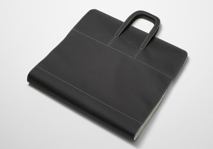 rolls-royce-wraith-luggage-garment-bag