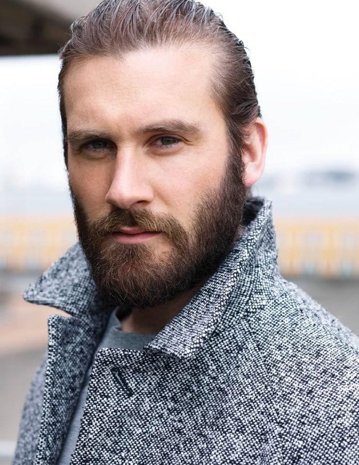 Como fazer sua barba crescer mais rápido: 5 dicas