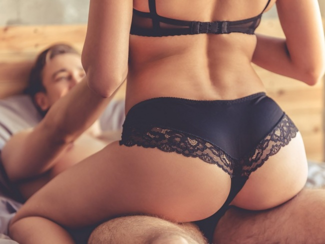wemin haveing sex with men