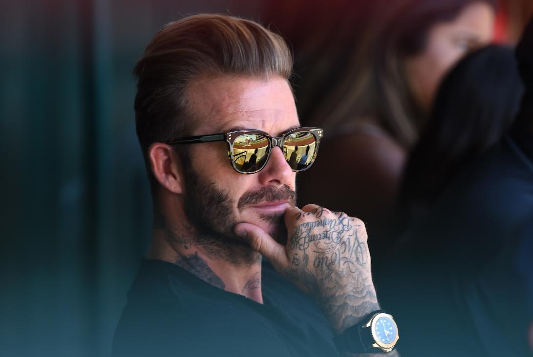 Qual é o tipo ideal de óculos escuros para o formato do seu rosto  - El  Hombre 8a2b67a51c