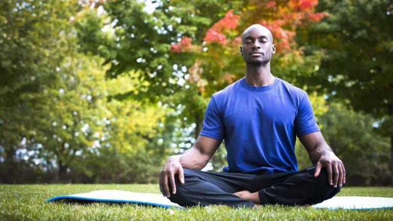 razões-homem-yoga