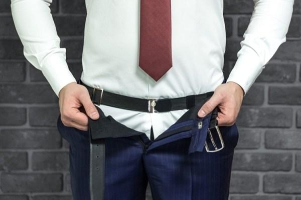 Camisa social: 5 truques para prender dentro da calça