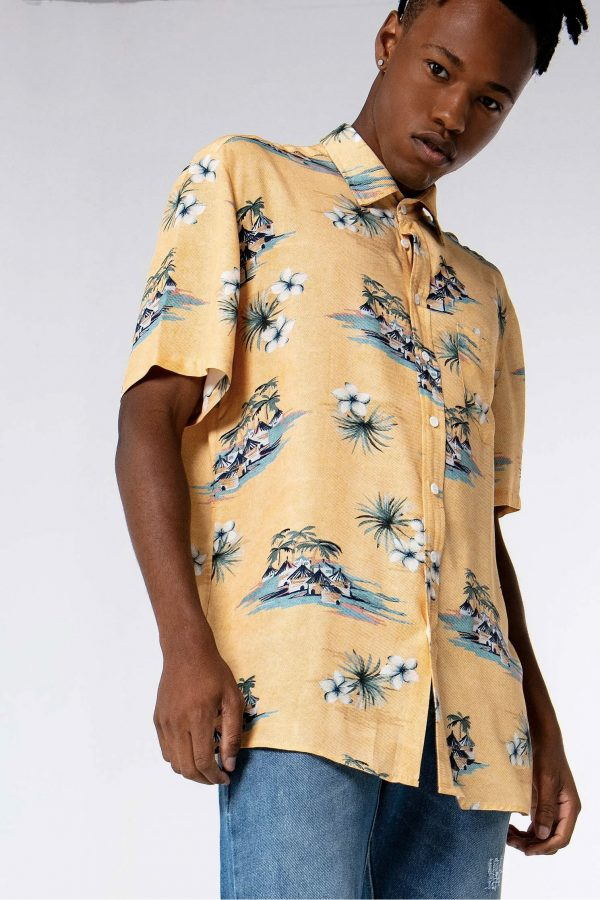 3d37edbb62 4 dicas para usar camisa floral com estilo - El Hombre